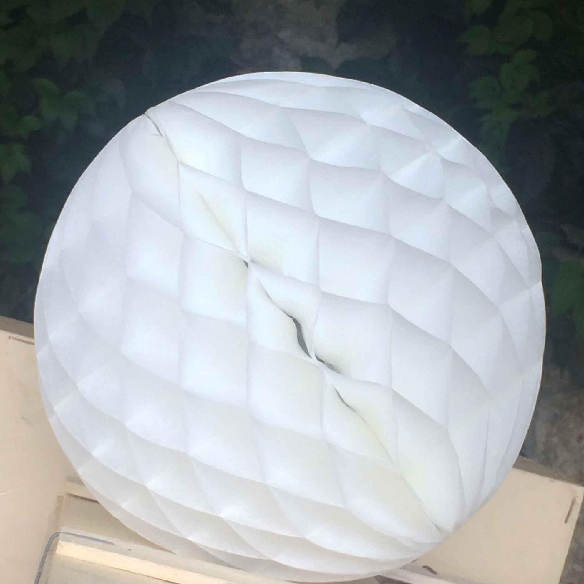 Pompón Nido de Abeja blanco 20 cm