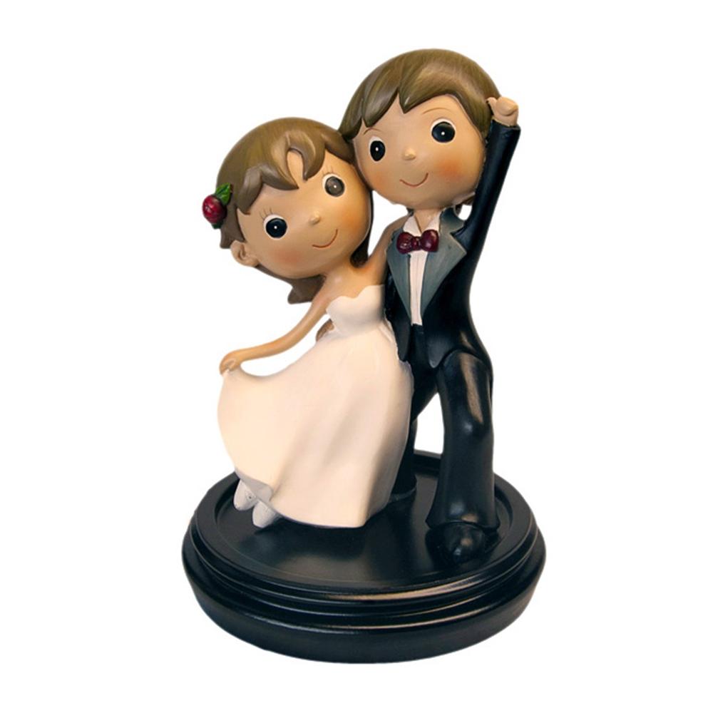 Figura decorativa pareja de novios juntos