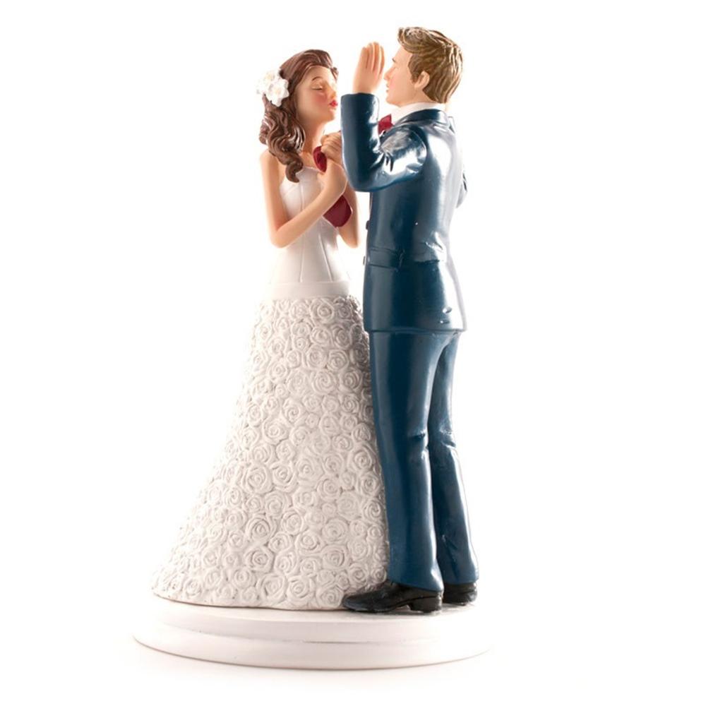 Figura para tarta novia llevando al novio 20 cm