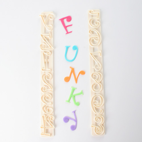 Set cortadores letras y números Funky