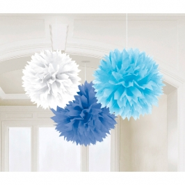 Pompones de papel blanco, azul y celeste