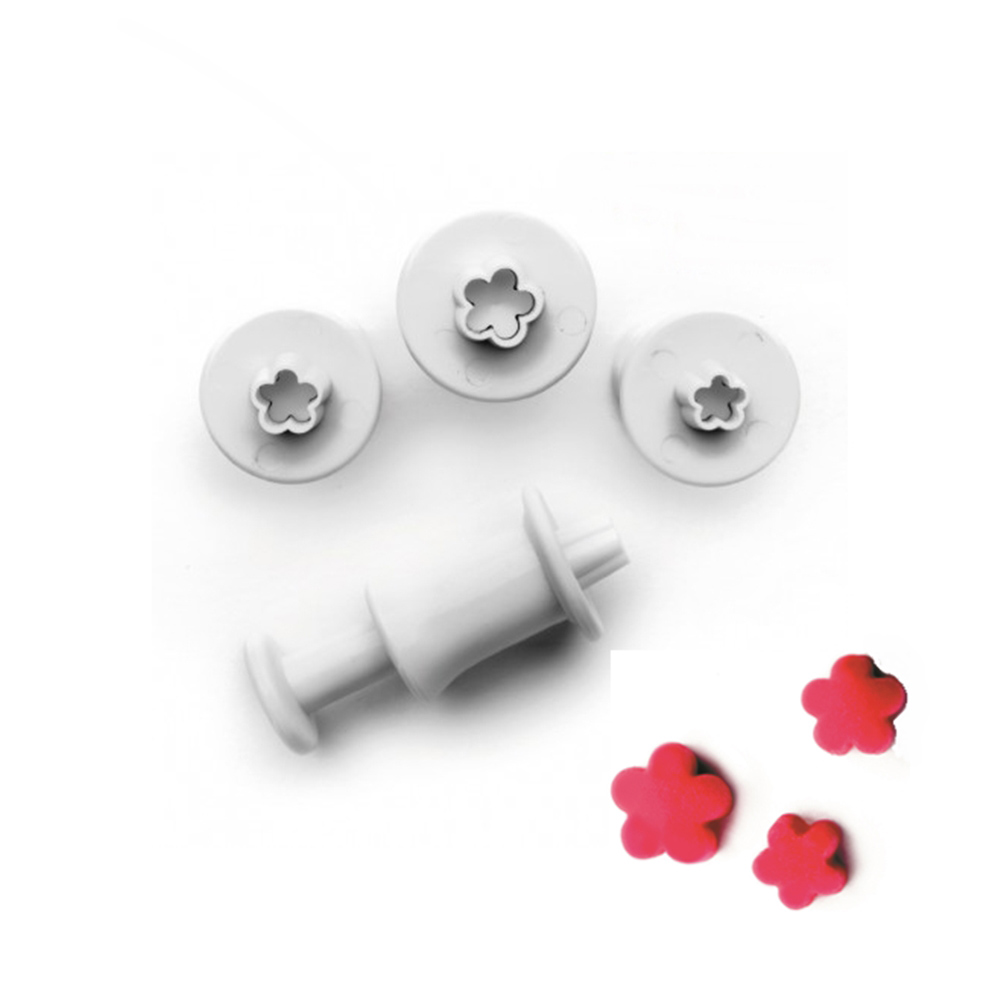 Set de 3 mini cortadores con expulsor Florecillas