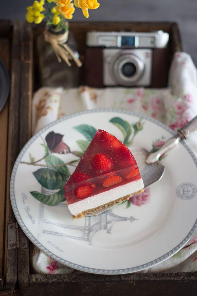 cheesecake de fresa con gelatina de fresa