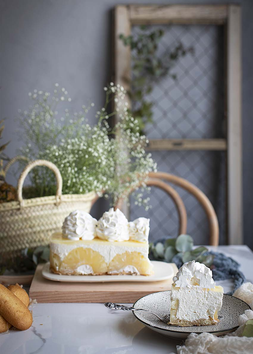 Tarta de piña y sobados