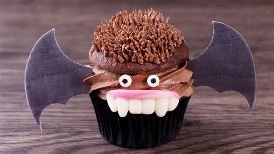 Cupcakes de Chocolate y Almendra para Halloween ¡Para hincarles el diente!