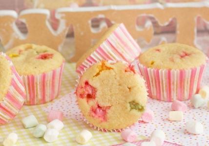 Cupcakes de nubes con crema de nubes ¡increíblemente ricos!