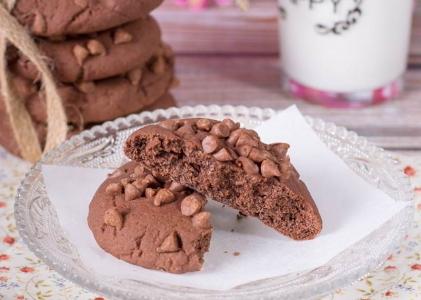 Galletas de chocolate con gotas de chocolate con leche ¡riquísimas!