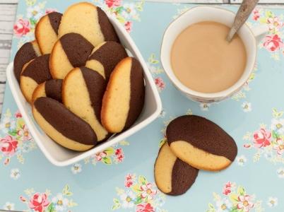 Lenguas de gato de vainilla y chocolate ¡Igual de deliciosas que fáciles de hacer!